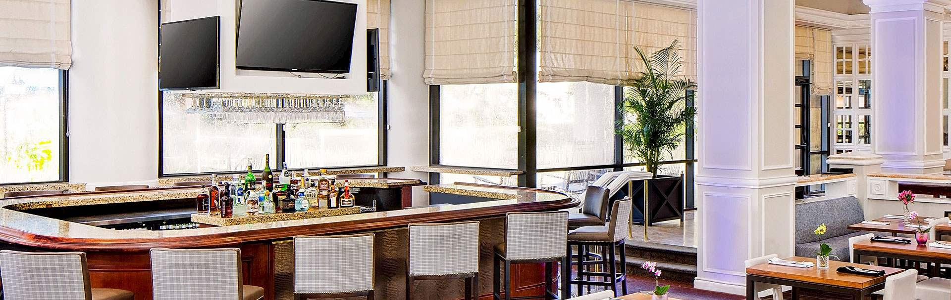 Market Kitchen & Bar at Hilton Ocala Hotel